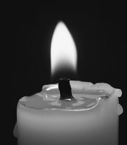 http://plujem.blog.siol.net/files/2009/10/candle.jpg